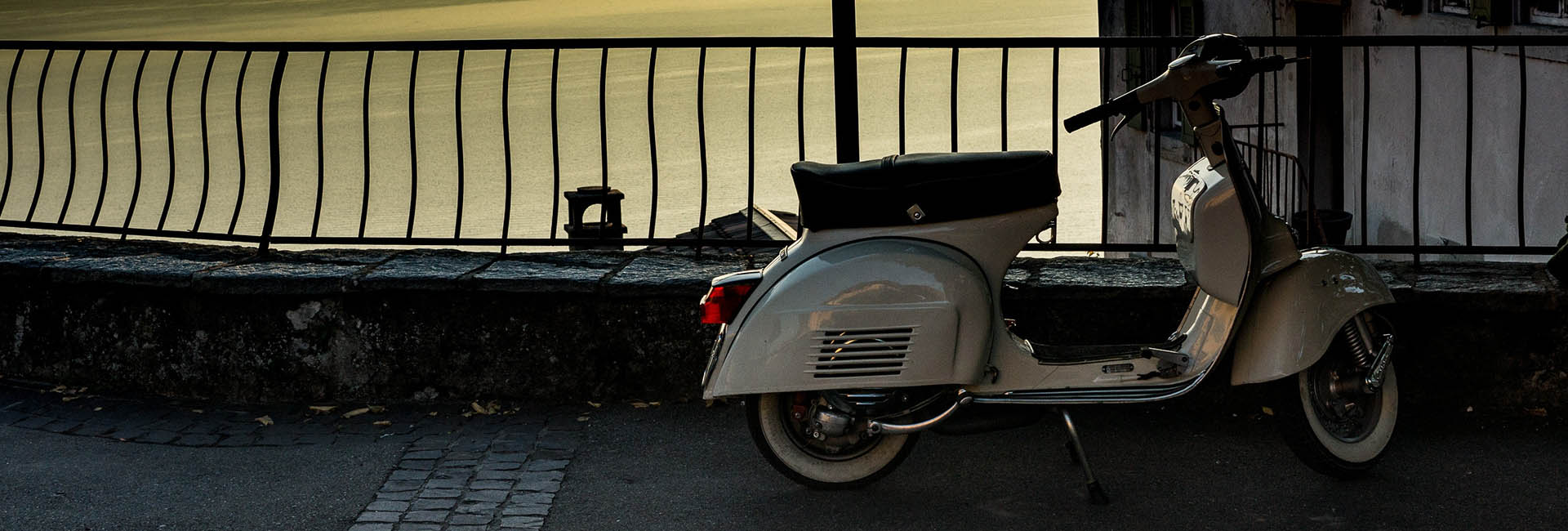 Vespa, scooter and motorbike rental in Cortona